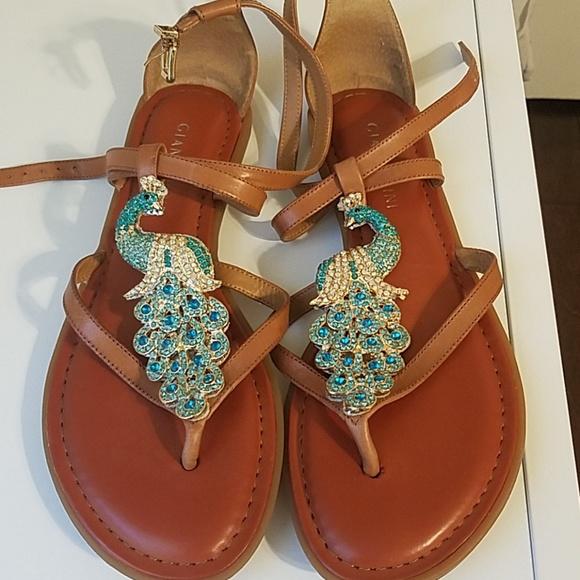 6a445fb6c95 Gianni Bini Shoes - Gianni Bini 6.5 Peacock Sandals